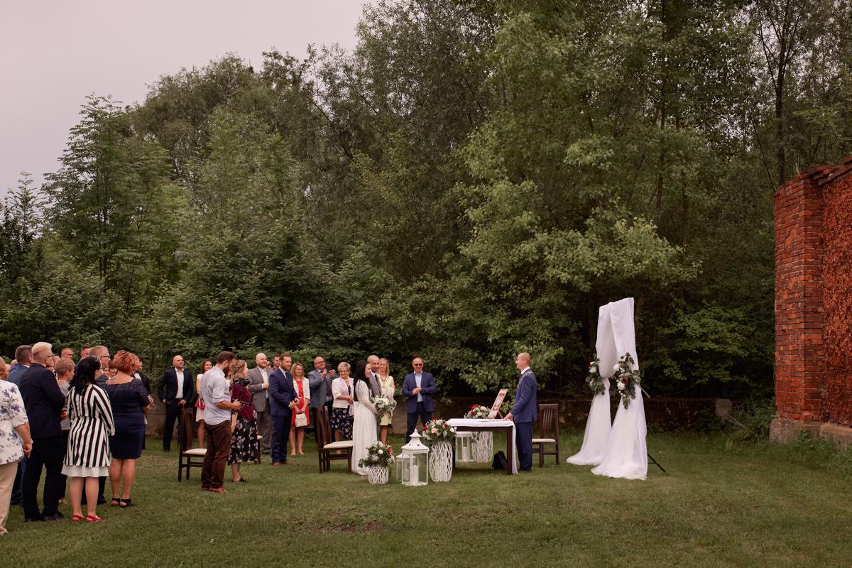 ślub cywilny w plenerze Tarnów