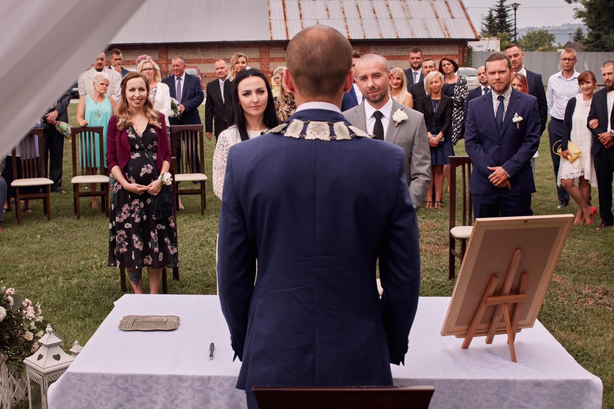 ślub cywilny w plenerze folwark więckowice