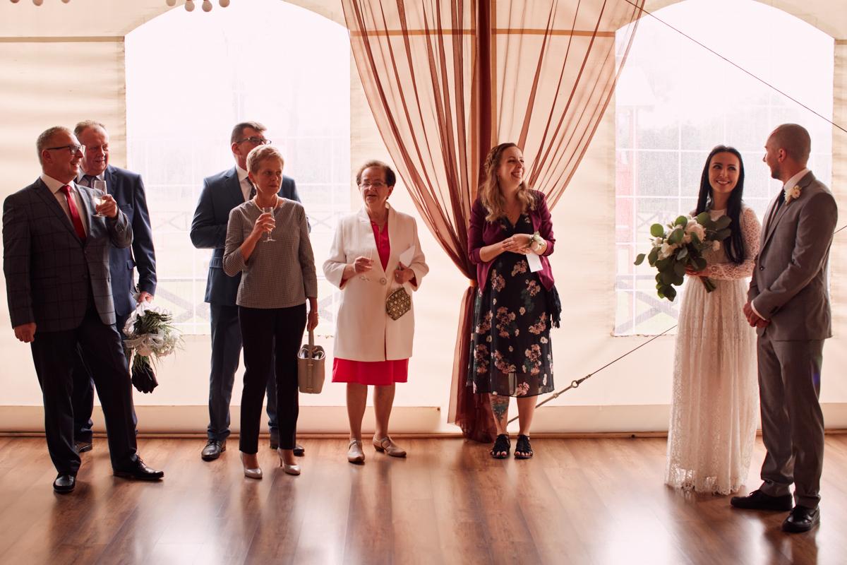 przyjęcie weselne pod namiotem tarnów