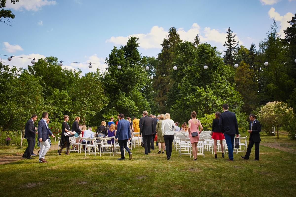 ślub cywilny w plenerze magdalenka