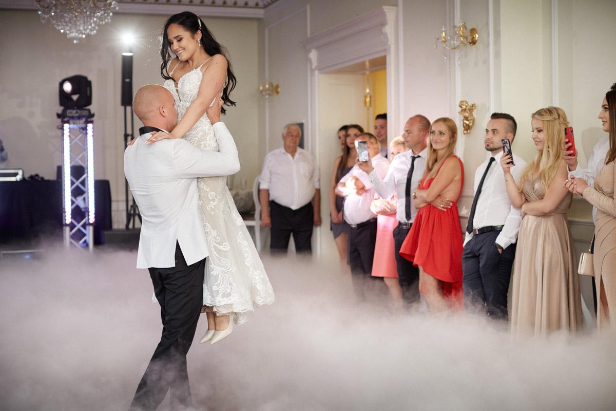 pierwszy taniec na weselu w dworku prezydenckim