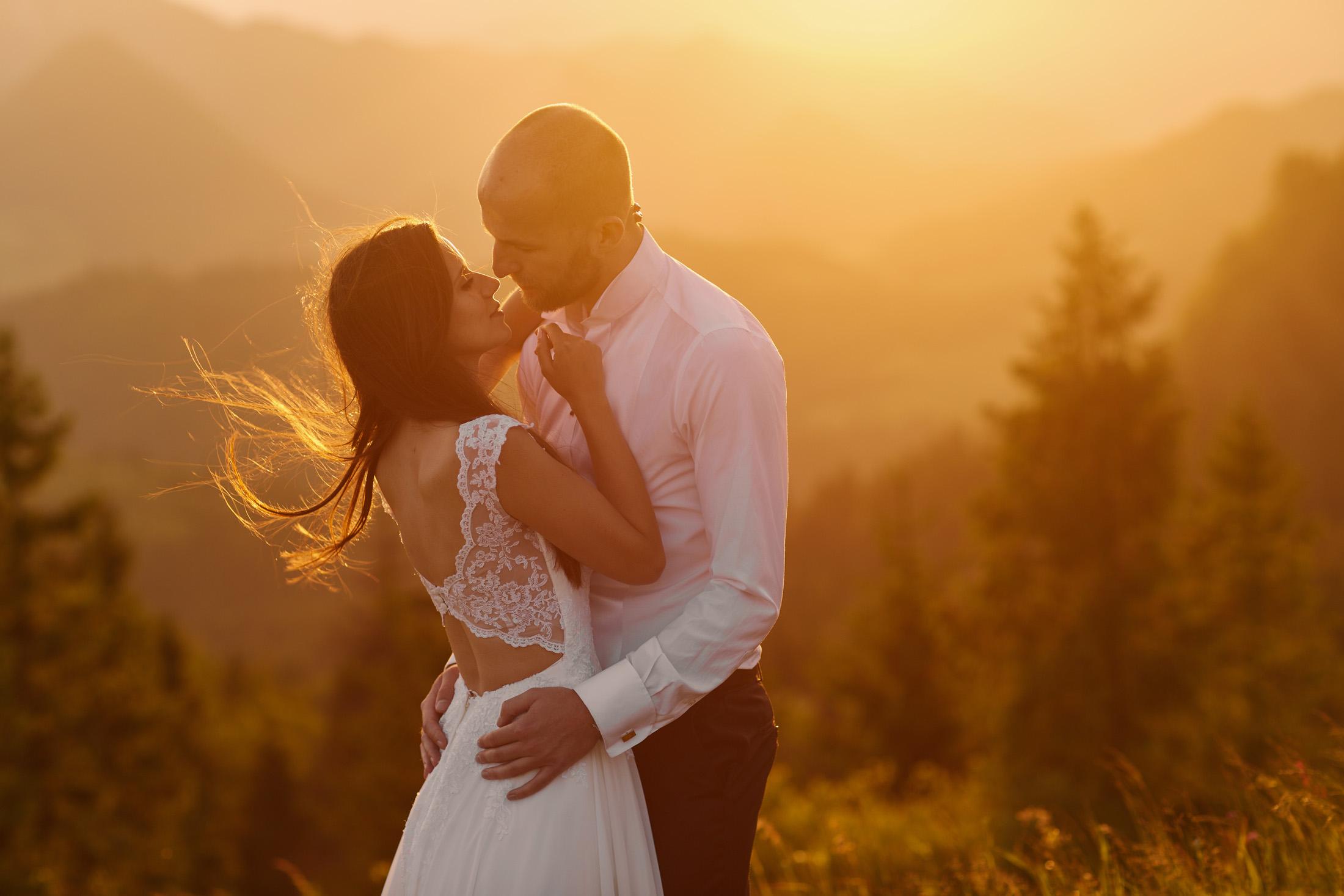 Para młoda na sesji ślubnej w okolicach Nowego Sącza